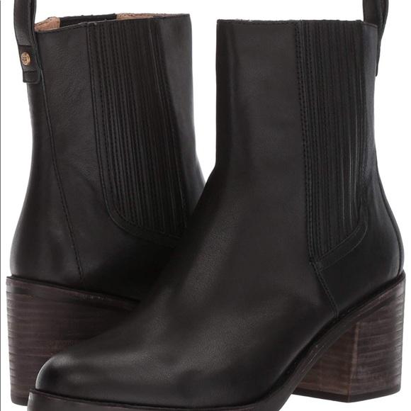 fffc371c890 UGG Women's Camden Ankle Bootie Boutique